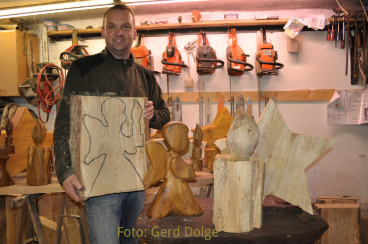 schnitzen mit der kettens ge chainsaw carving dirk. Black Bedroom Furniture Sets. Home Design Ideas